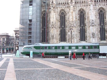 Super train, Milan Cathedral