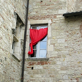 The Red Curtain Cahors